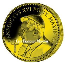 Pape Benoît XVI doré