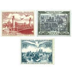 3 timbres Poste aérienne...